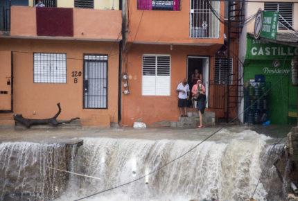 'Laura' deja inundaciones y muertos en Haití y República Dominicana