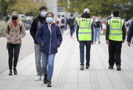 Coronavirus orilla a París a implementar toque de queda