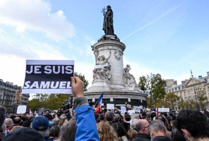 Marchan en París en memoria de profesor asesinado