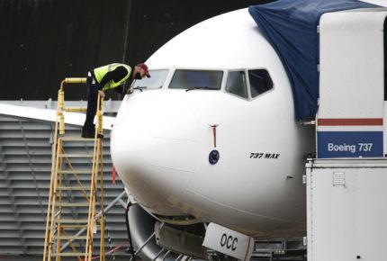 Boeing pide a 16 compañías revisar 'falla eléctrica' en sus aviones