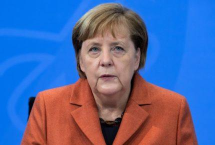 """Asoma guerra comercial entre Europa y EU por el """"mercado"""" de vacunas"""