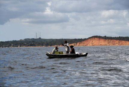 Suman 29 muertos por naufragio de migrantes venezolanos