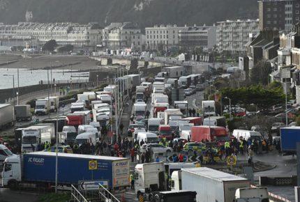 Con demoras, se reanuda tráfico por el Canal de la Mancha