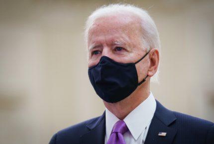 Biden apuesta a más pruebas de Covid-19 y reabrir escuelas