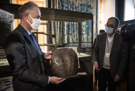 Museo del Louvre recupera dos obras de arte robadas hace 40 años