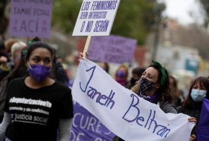 Mujeres de España salen a las calles, menos en Madrid