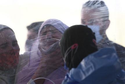 India rompe récord de contagios de Covid-19; desplaza a Brasil