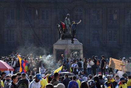 """""""Nos están matando"""", el grito incansable en Colombia"""