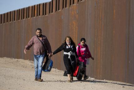 Rescatan a 38 migrantes guatemaltecos en Veracruz