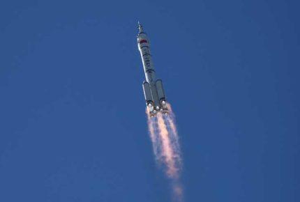 Despega cohete chino rumbo a su nueva estación espacial
