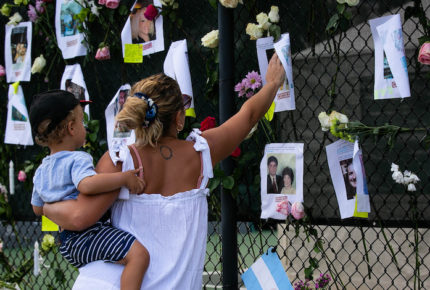 Argentina rinde homenaje a casi 100 mil muertos por Covid-19