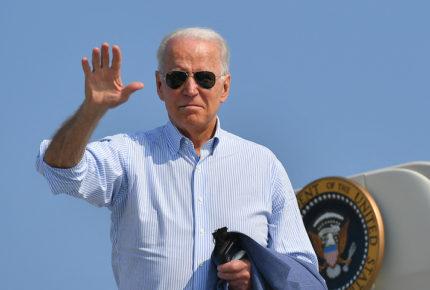 Ante represión, Biden ofrece asilo a ciudadanos de Hong Kong