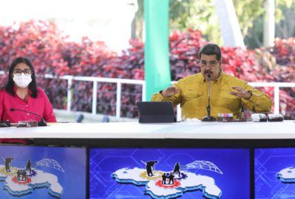 """La OEA """"está muerta desde hace tiempo:"""" Nicolás Maduro"""
