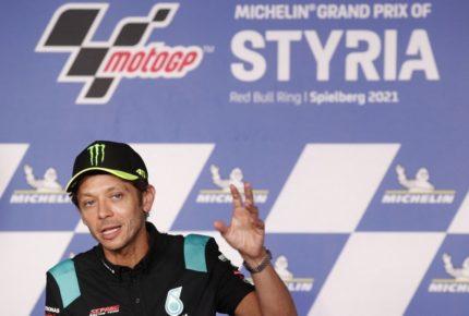 La leyenda del MotoGP Valentino Rossi anuncia su retiro