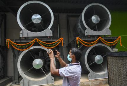 En Nueva Delhi inauguran torre purificadora de aire