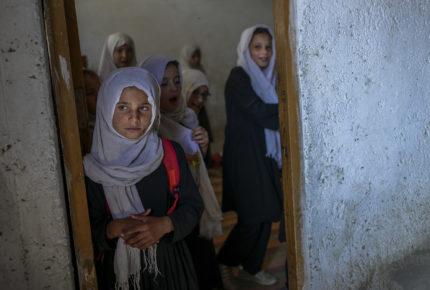 UNESCO solicita reabrir  escuelas para niñas en Afganistán