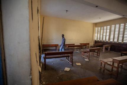 Terremoto dificulta el regreso a clases de 200 mil niños en Haití