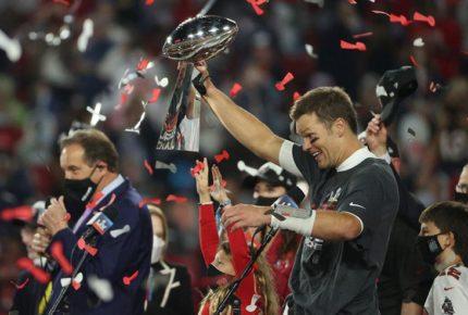Tom Brady recibe el quinto MVP de su carrera en un Super Bowl