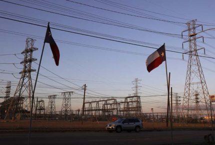 Se dispara deuda de luz de texanos tras crisis eléctrica