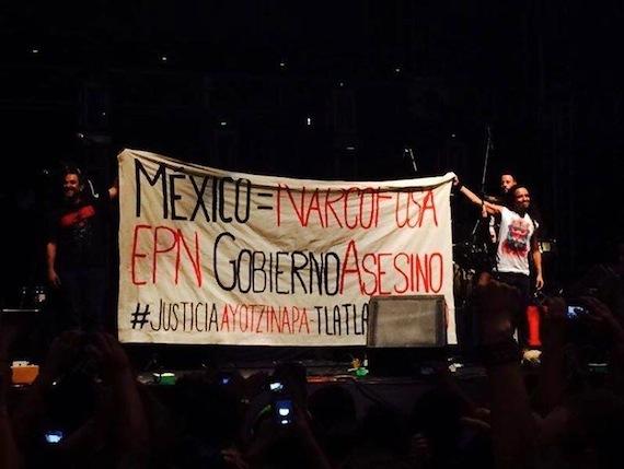 Cafe Tacvba se suma a protesta por Ayotzinapa