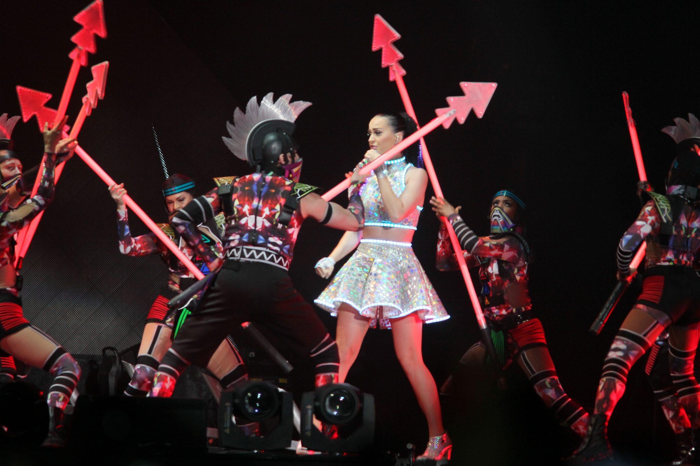 Katy Perry deslumbra con concierto en México