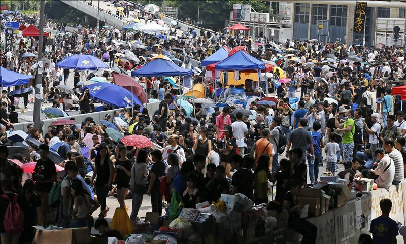 Manifestantes ponen ultimátum a gobierno de Hong Kong