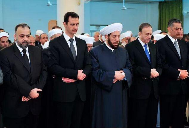Reaparece Bashar al-Assad en festejo musulmán