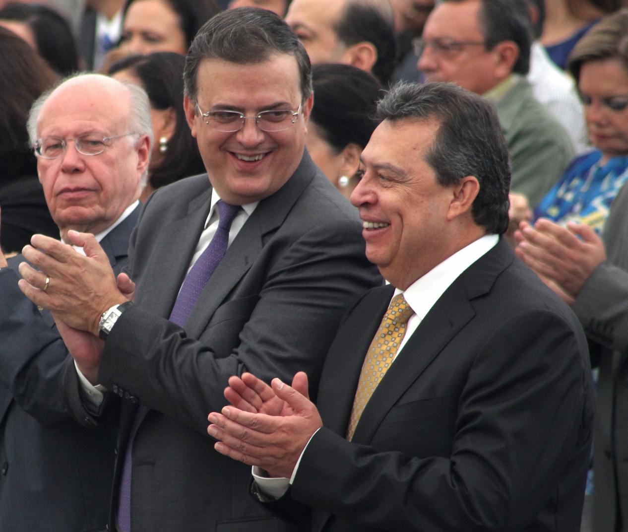 Ebrard, muy calladito en la crisis que atraviesa Aguirre
