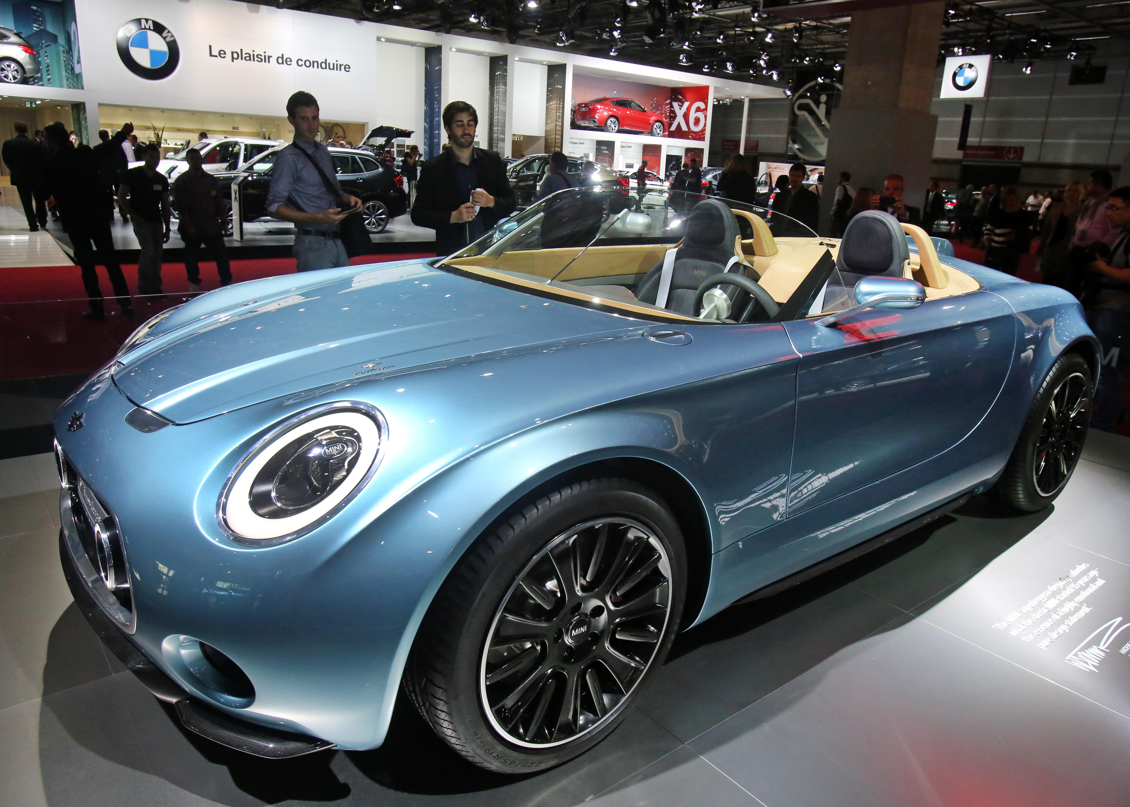 Impresionante muestra en en el Salón del Automóvil de París