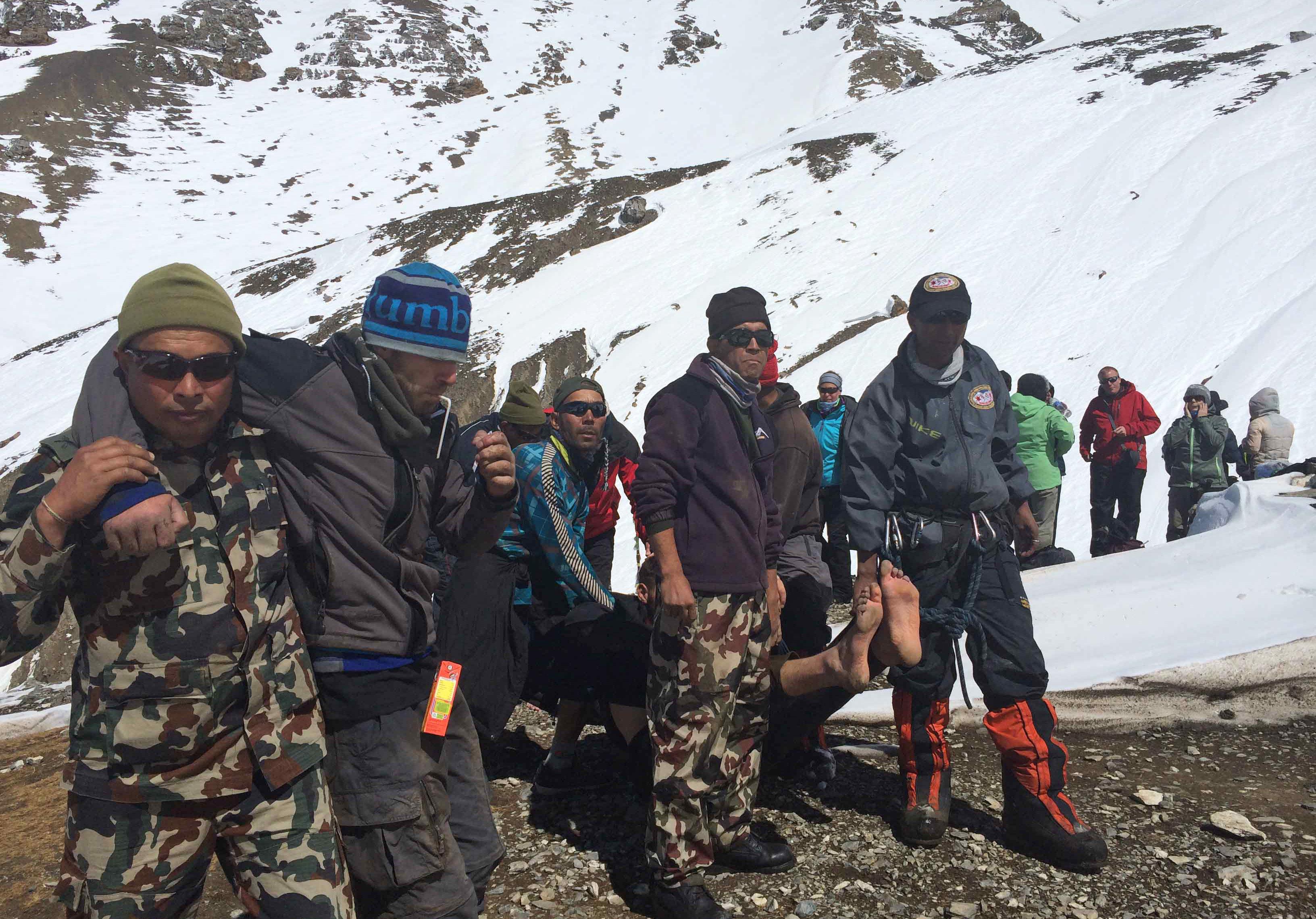 Van 38 muertos por tormentas de nieve en montañas de Nepal