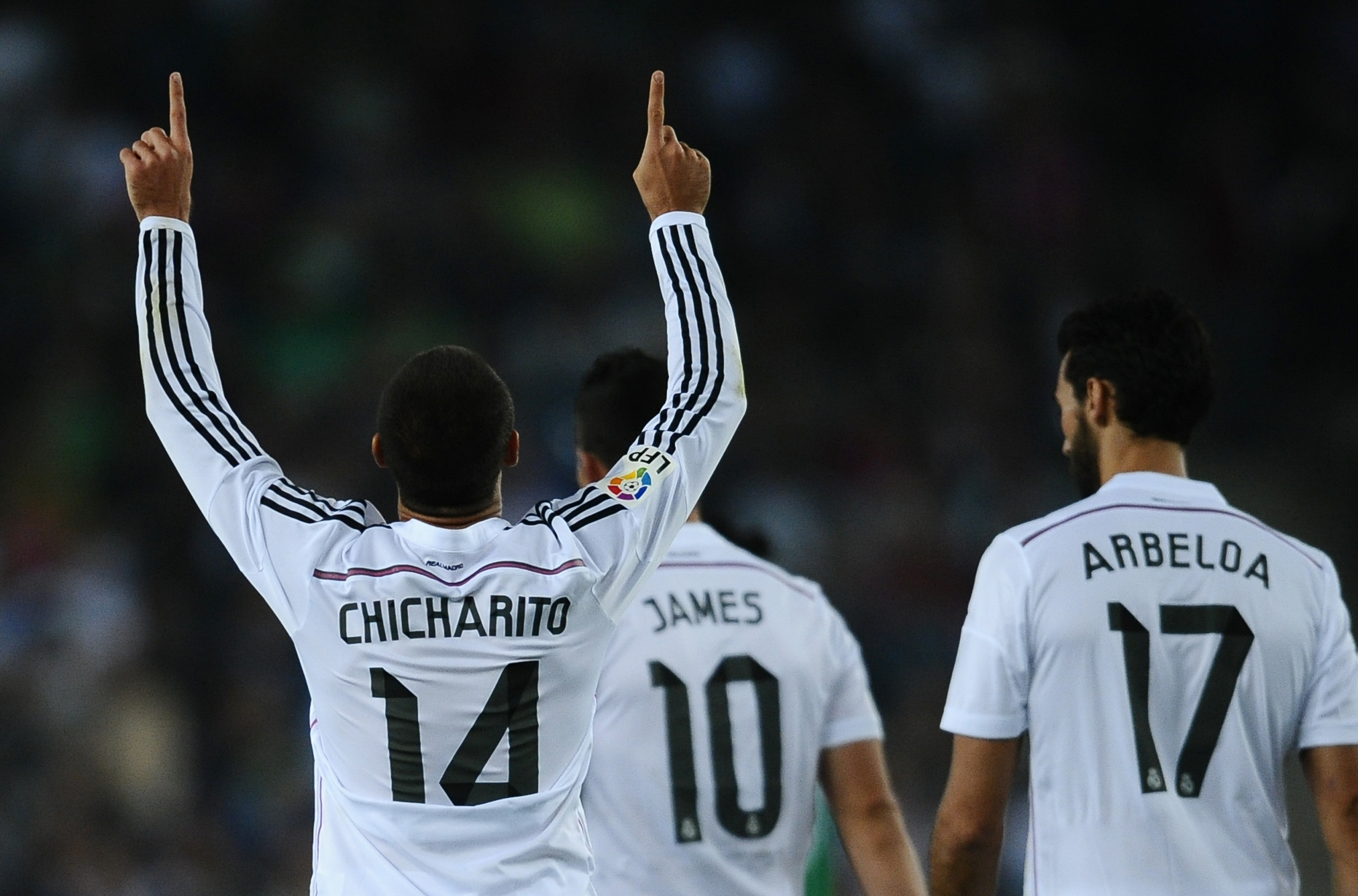 'Chicharito' participa en victoria del Madrid 4-1 al Cornella