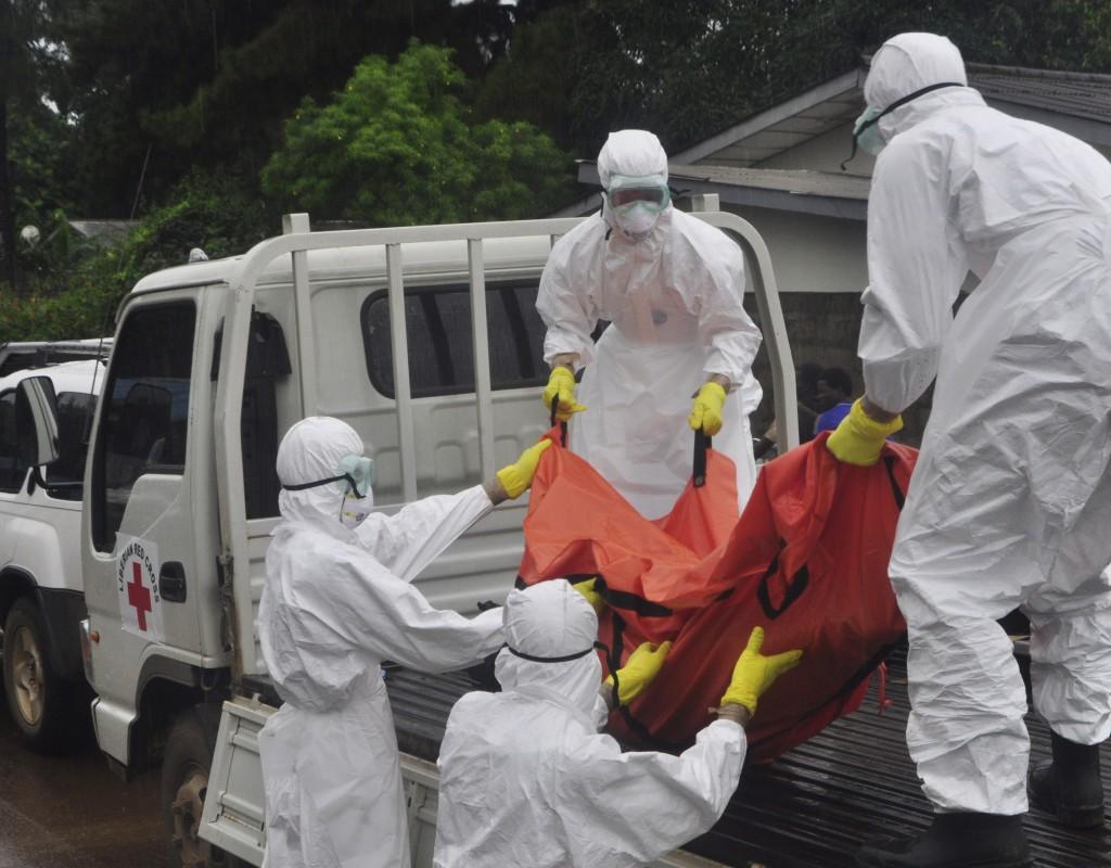 Secretaría de Salud entrena personal en caso de ébola