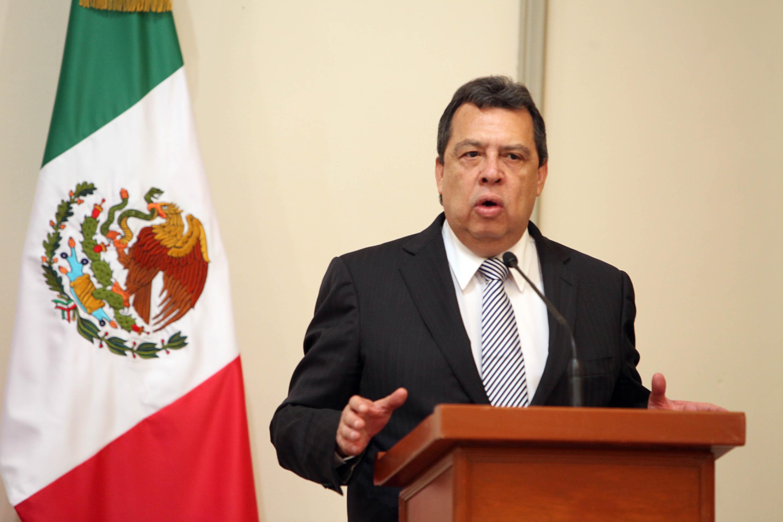 Aguirre 'olvida' incluir a normalistas entre desaparecidos