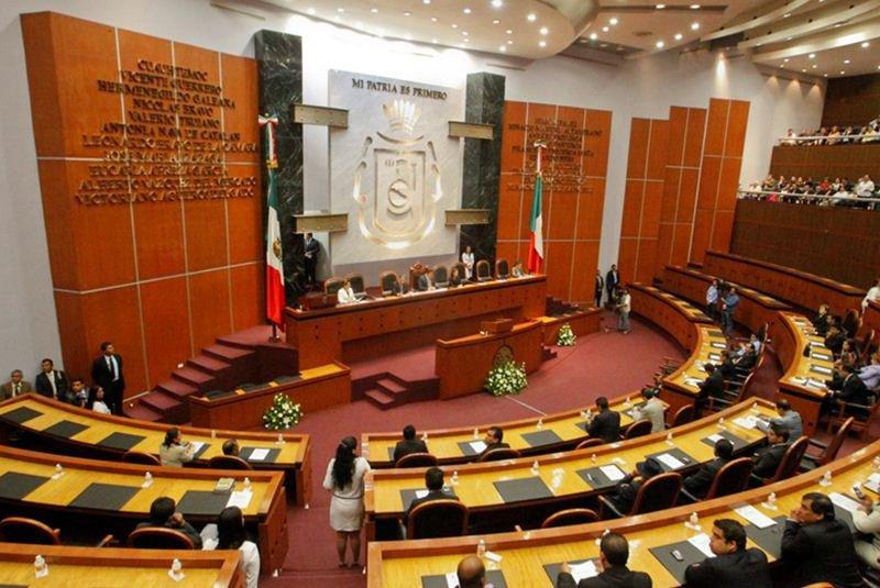 Avala Congreso de Guerrero por unanimidad licencia Aguirre