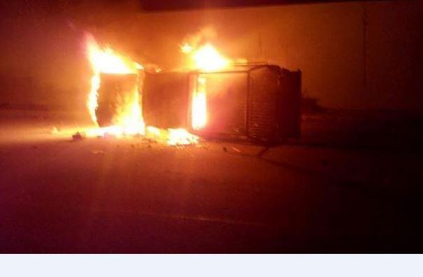 Queman 3 patrullas en Ecatepec; protestan por inseguridad