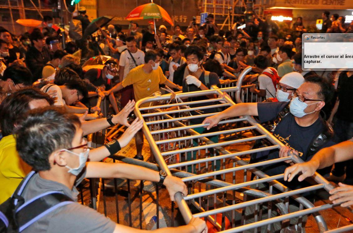 Nuevos enfrentamientos en Hong Kong dejan 26 detenidos