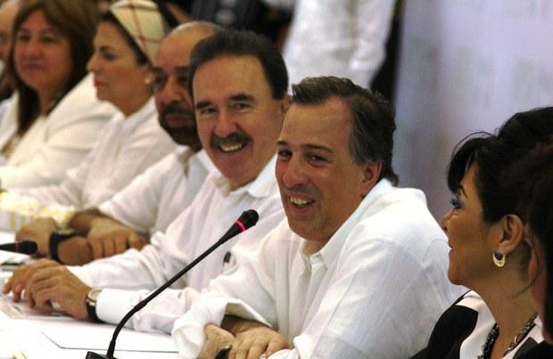 Meade y Gamboa hablan de los normalistas de Ayotzinapa
