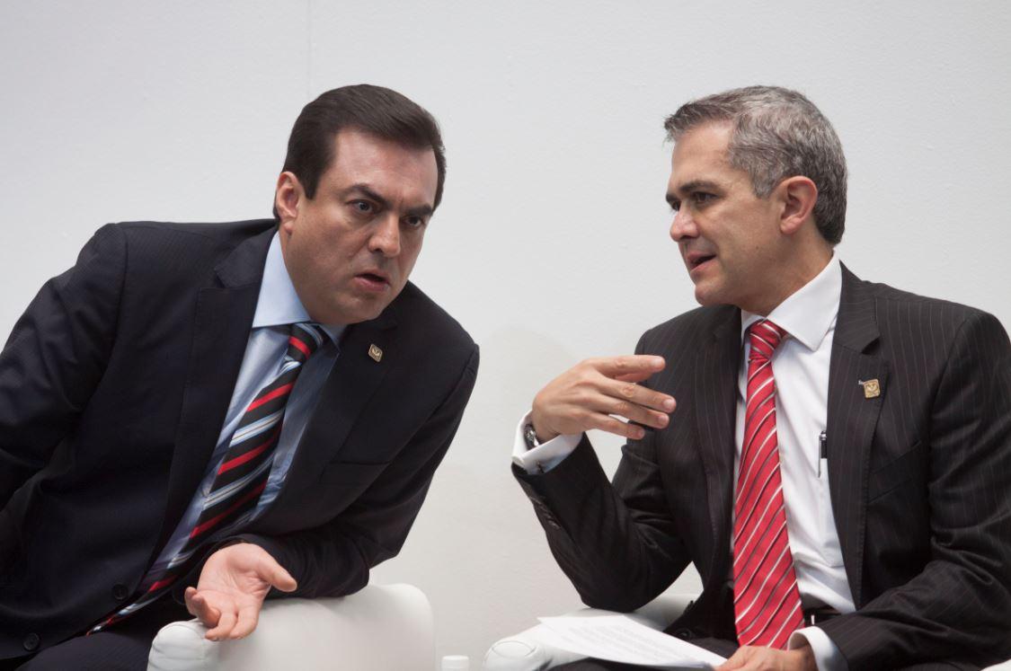 Renuncia Edgar Gónzalez, Oficial Mayor del GDF