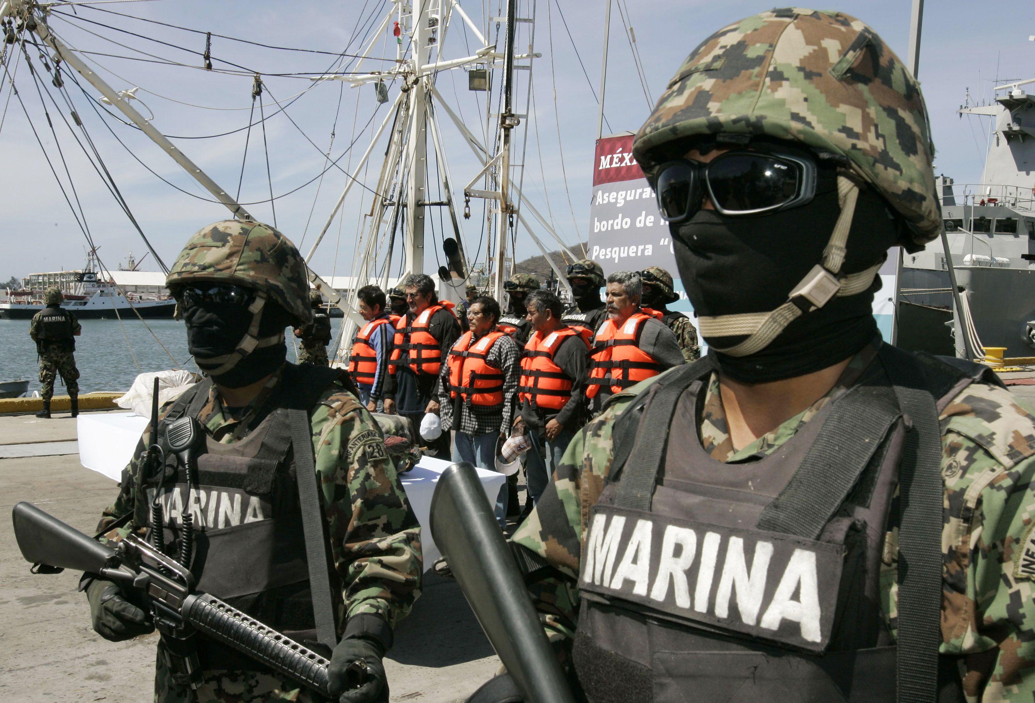 La Marina ya busca a José Luis Abarca