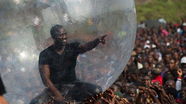 Da concierto en burbuja...para no contraer ébola