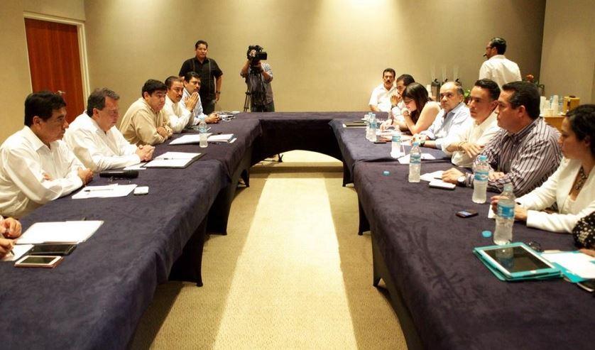 Ángel Aguirre e Iñaki Blanco se reunieron con Comisión Especial de diputados