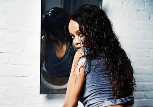 Rihanna posa en un baño para la fotógrafa Ellen von Unwerth