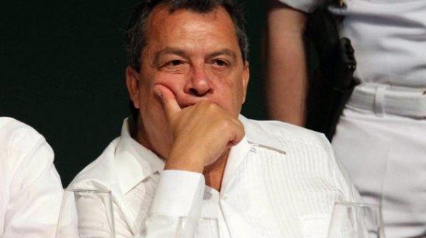 Las tres notarías que Ángel Heladio Aguirre entregó antes de pedir licencia