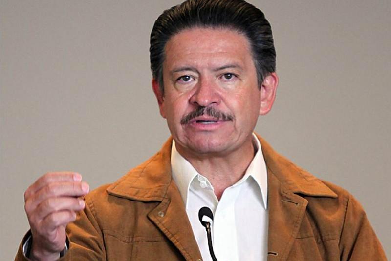 Carlos Navarrete está decidido a una fuga hacia delante