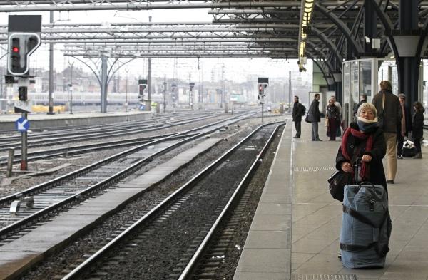 pensiones-deja-transporte-publico-belgica_1_1_1020189