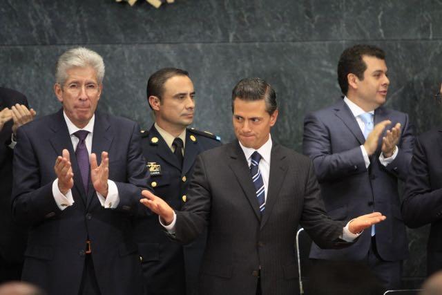 El gabinete del presidente Enrique Peña Nieto está haciendo agua