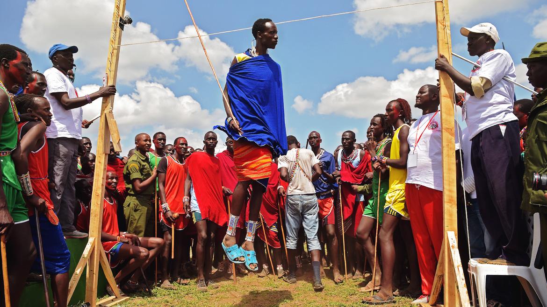 Las olimpiadas del pueblo maasai contra la caza de leones