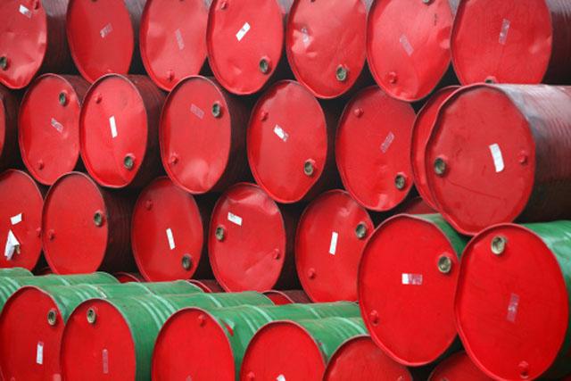 Pierde $4.13 dls. barril de petróleo; se vende en $62.26