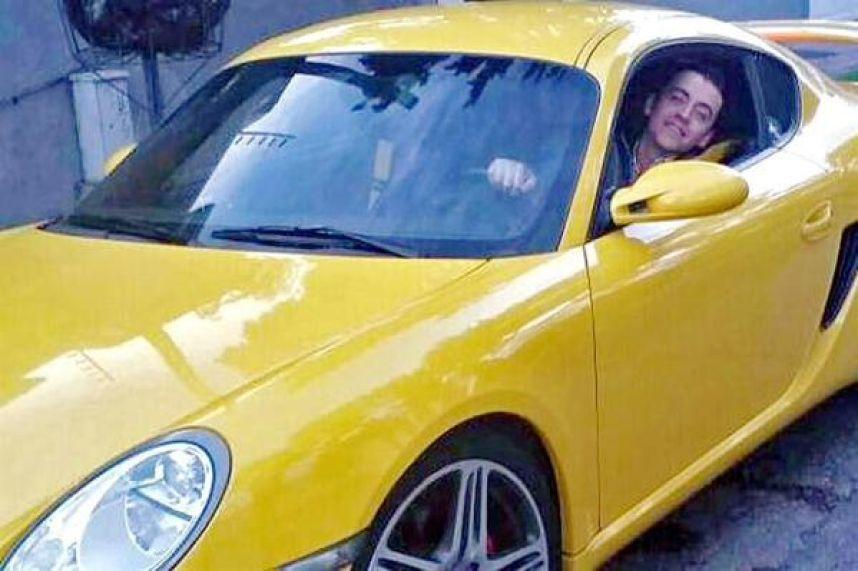 Renuncia subdirector de Liconsa tras regalo de Porsche