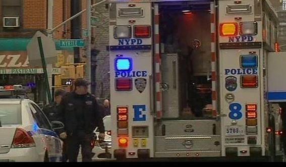 Mueren dos policías en NY tras ser baleados en su patrulla